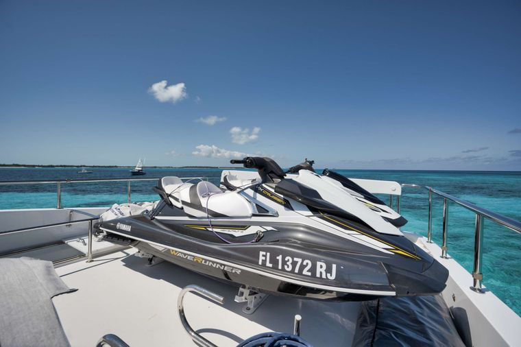 LIMITLESS Yacht Charter - Two Jet Skis