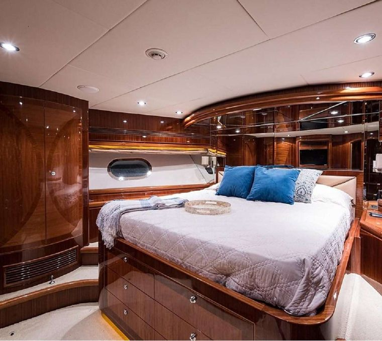LIMITLESS Yacht Charter - King Master Stateroom Ensuite