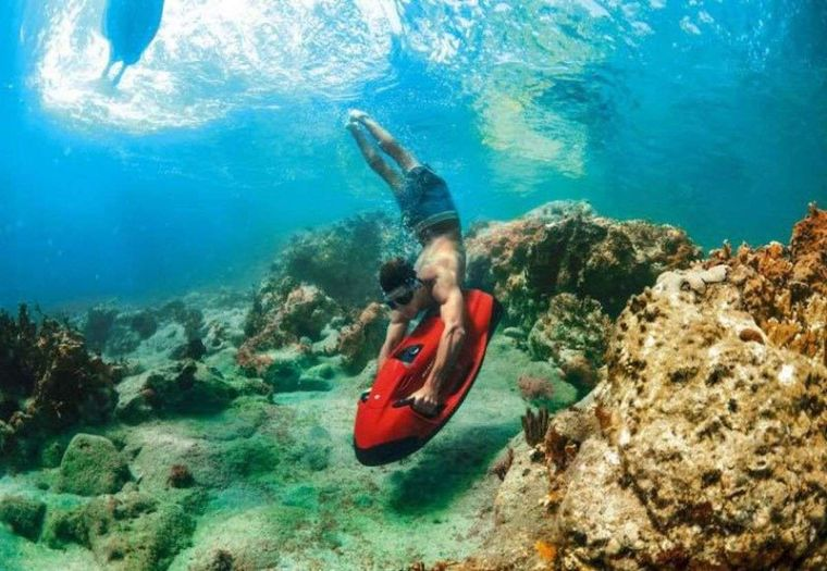 AEOLUS Yacht Charter - The BEST way to snorkel or dive
