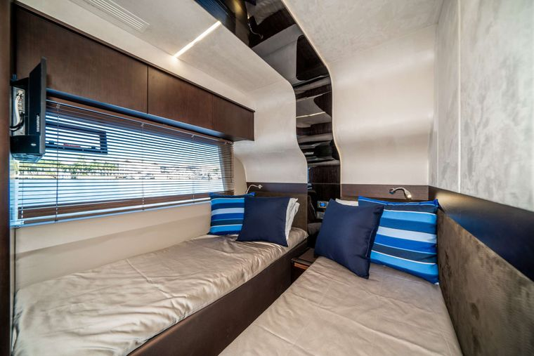 RECORD YEAR Yacht Charter - Twin Stateroom