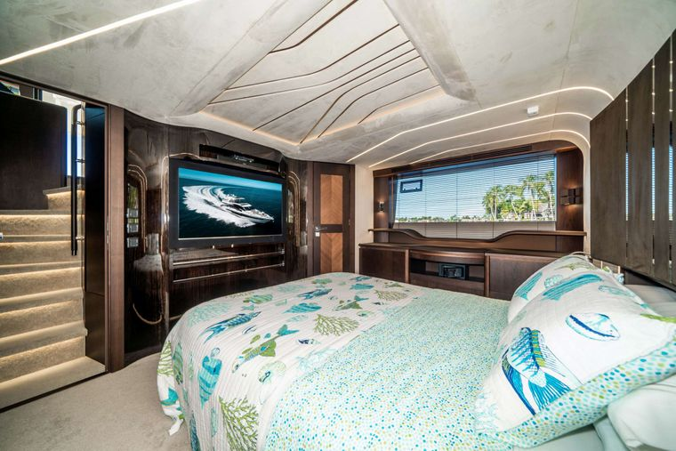 RECORD YEAR Yacht Charter - Master Stateroom
