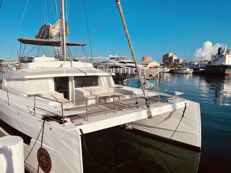 Synergy Yacht Charter - Hard deck bow with lots of seating