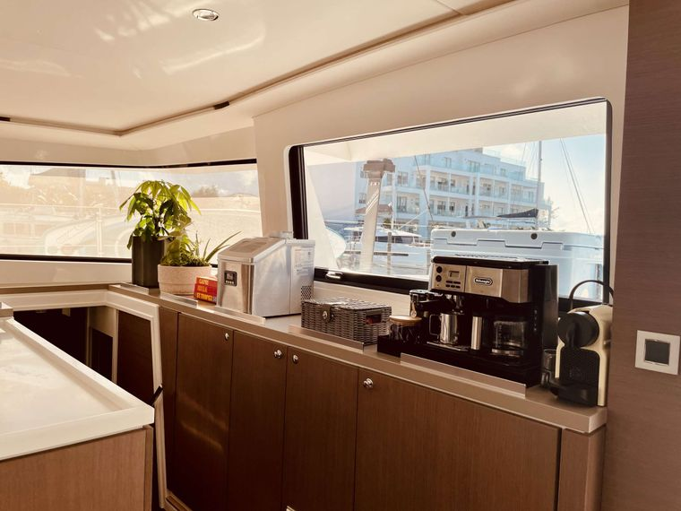 Synergy Yacht Charter - Fully equipped coffee station
