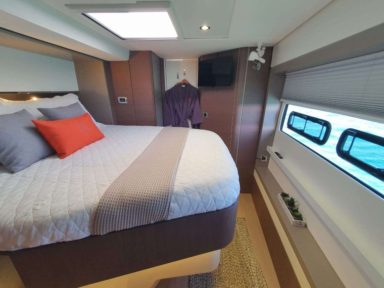 Synergy Yacht Charter - Queen Cabin
