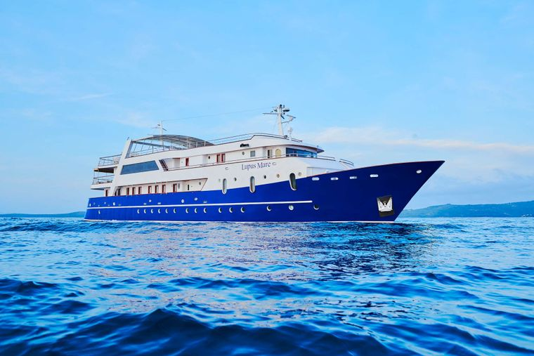 LUPUS MARE Yacht Charter - Ritzy Charters