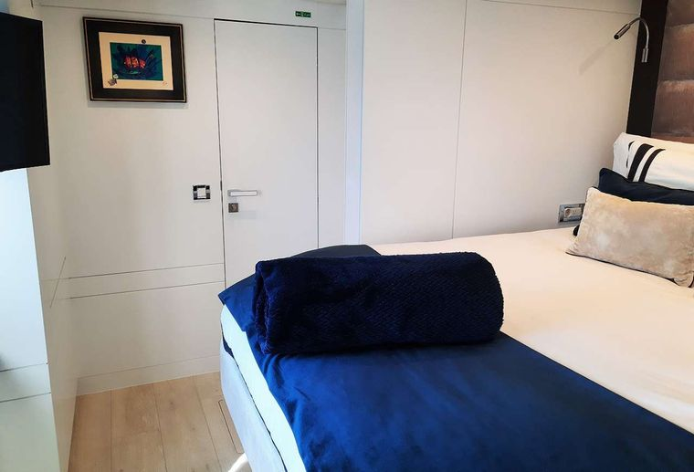 ORION Yacht Charter - Guests cabin