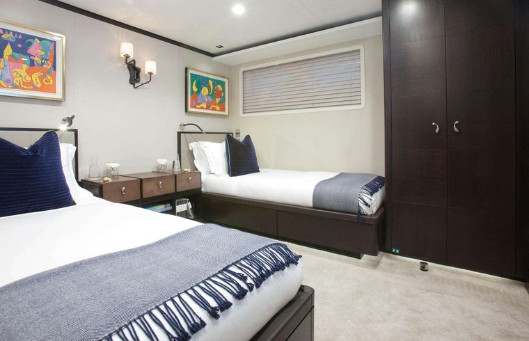 """MIRAGE Yacht Charter - Guest Stateroom """"Miro"""""""