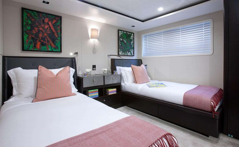 """MIRAGE Yacht Charter - Guest Stateroom """"Wilson"""""""