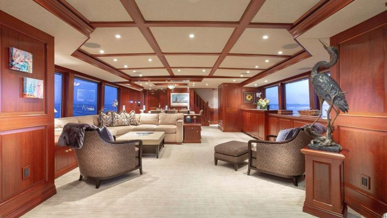 IMPETUOUS Yacht Charter - Main Salon