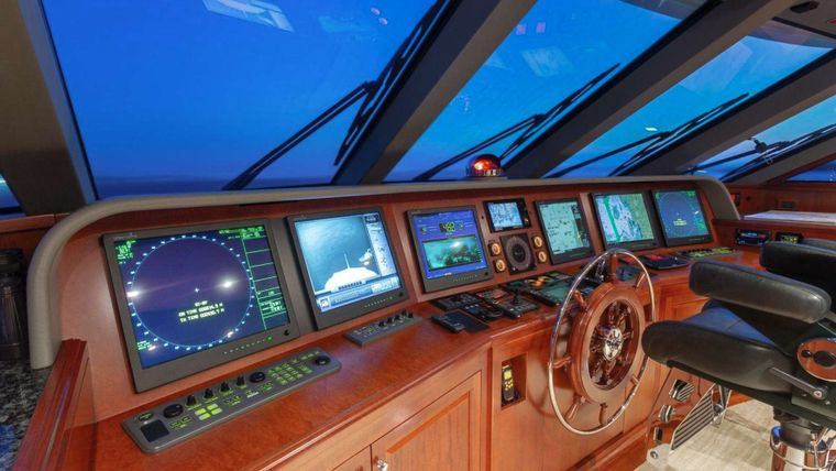 IMPETUOUS Yacht Charter - Pilothouse