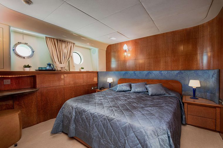 CONDOR A Yacht Charter - Double Guest Cabin