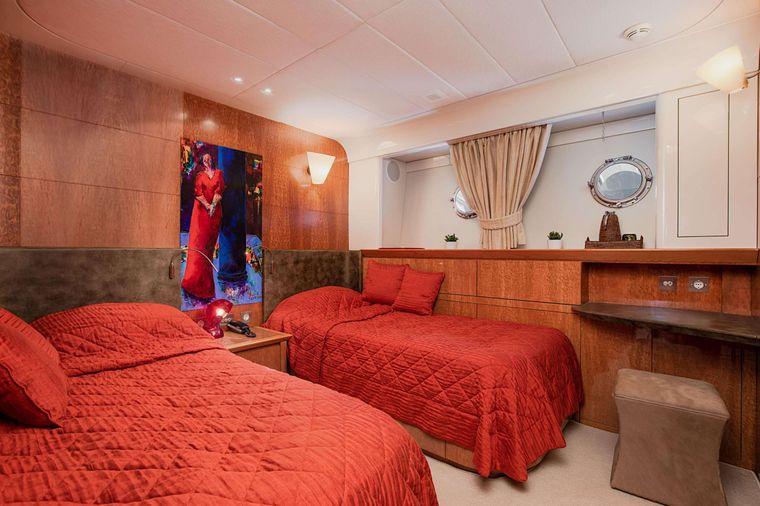 CONDOR A Yacht Charter - Twin Guest Cabin