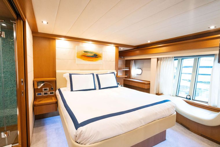INDULGE Yacht Charter - Master Suite