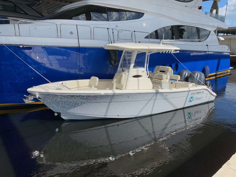 """TOP SHELF Yacht Charter - """"Chaser"""" tender to the Top Shelf!"""
