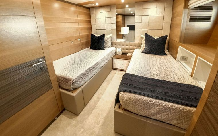 COOL BREEZE Yacht Charter - Twin Stateroom