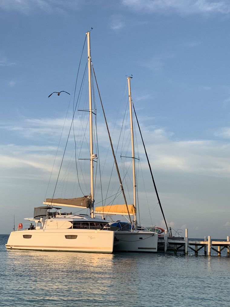 Nowhere Yacht Charter - Ritzy Charters