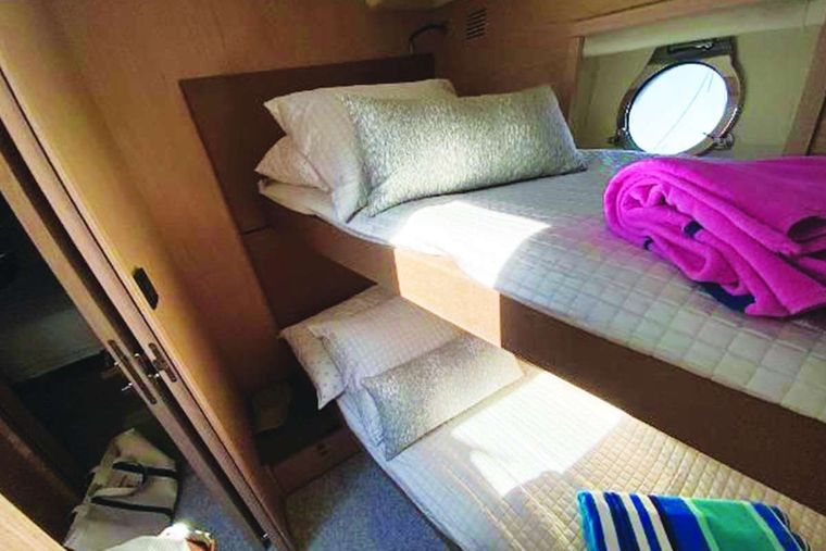 Blue Yacht Charter - Double Bunk Stateroom