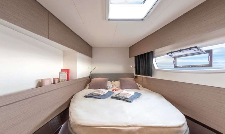 Game Changer Yacht Charter - Guest Cabin