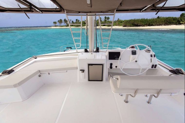 Crystal Dreams Yacht Charter - Flybridge view