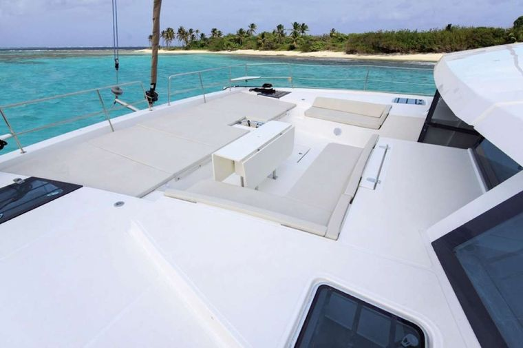Crystal Dreams Yacht Charter - Foredeck lounge area