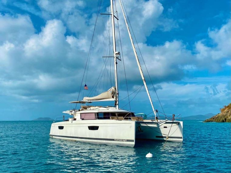 OCEANFRONT PROPERTY Yacht Charter - Ritzy Charters