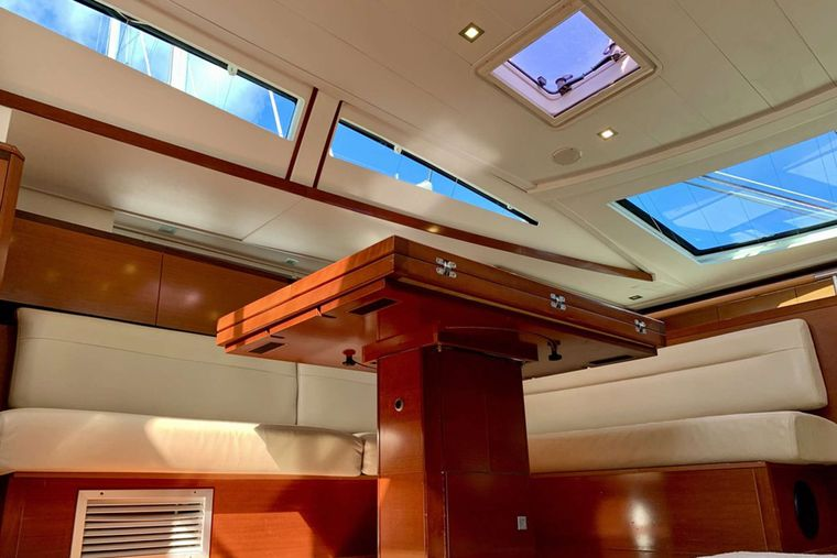 SUNBIRD Yacht Charter - Lots of Natural Light inside