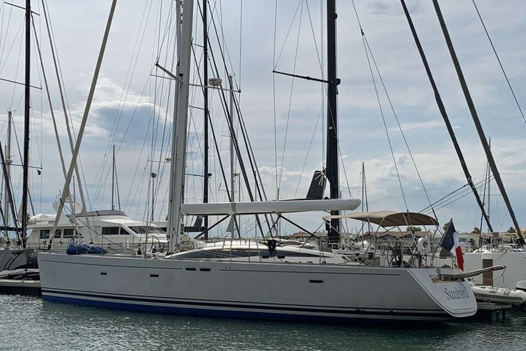SUNBIRD Yacht Charter - Sunbird at the Dock