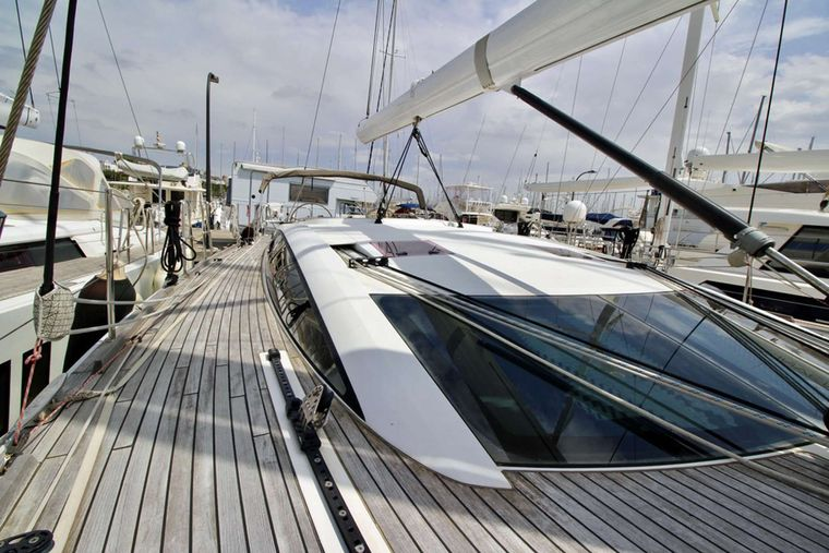 SUNBIRD Yacht Charter - Wide Open Decking