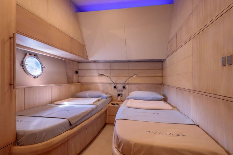 REVIVAL Yacht Charter - Twin cabin