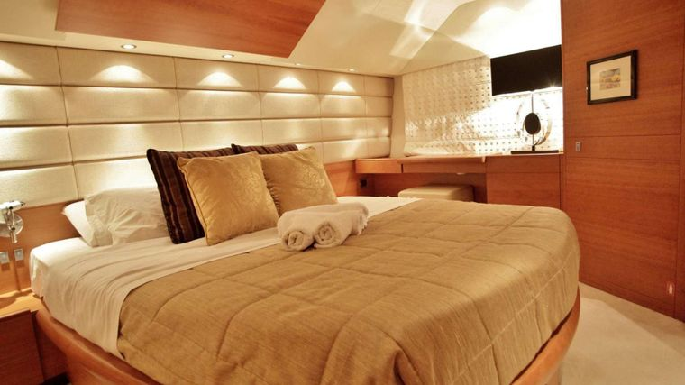 REVIVAL Yacht Charter - Master Cabin