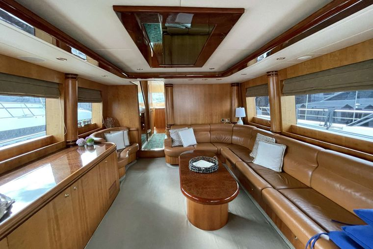 ELLA CLARE Yacht Charter - Entry to the Main Salon