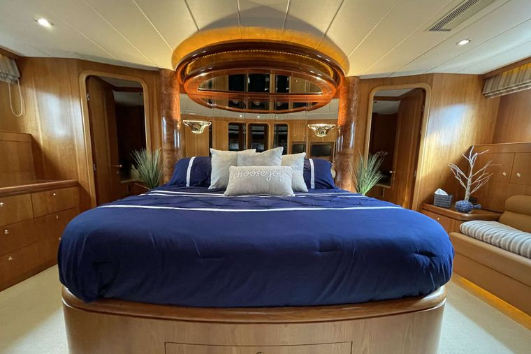 ELLA CLARE Yacht Charter - Primary Stateroom
