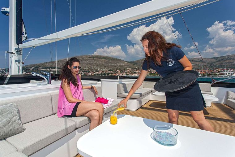 NAVILUX Yacht Charter - Aft dining area