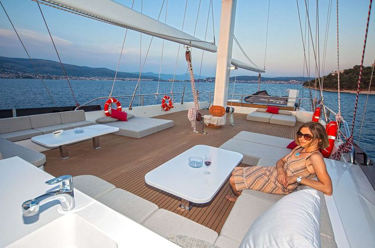 NAVILUX Yacht Charter - Aft deck seating arae