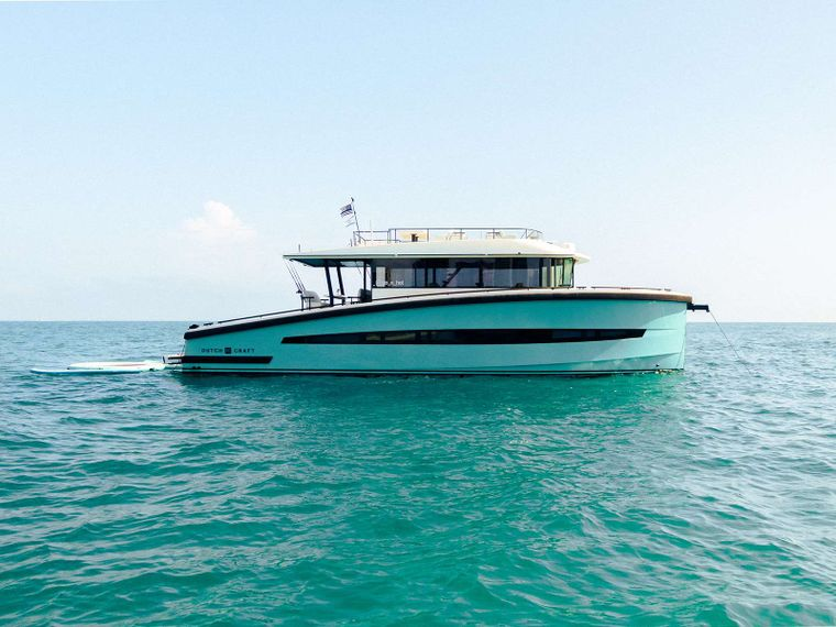GO N HOT Yacht Charter - Ritzy Charters