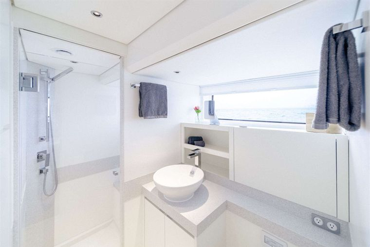 GO N HOT Yacht Charter - Ensuite