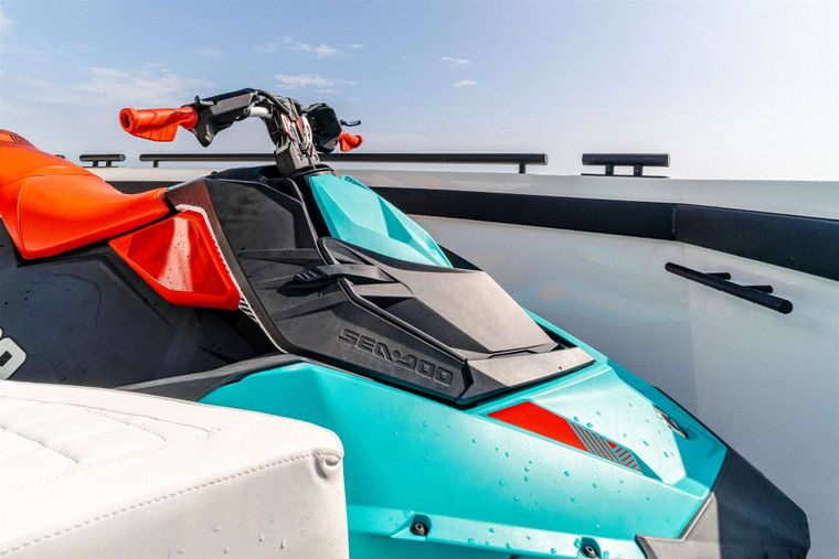 GO N HOT Yacht Charter - Seadoo Scooter