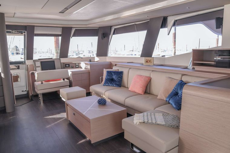 ALLURE 59 Yacht Charter - Sistership