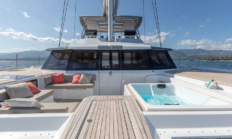 UNTETHERED Yacht Charter - From the Bow