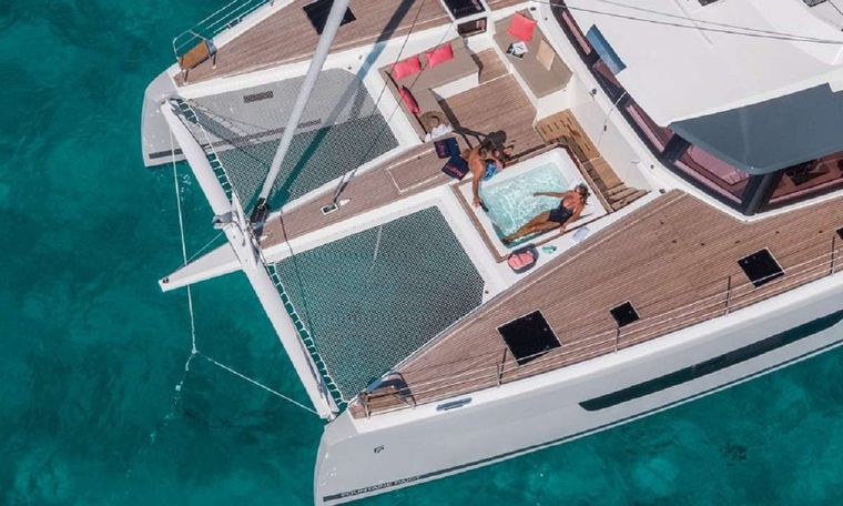 UNTETHERED Yacht Charter - Relaxing aerial view