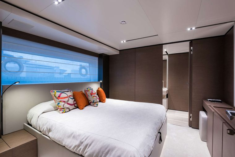 GIOIA Yacht Charter - Guest Stateroom
