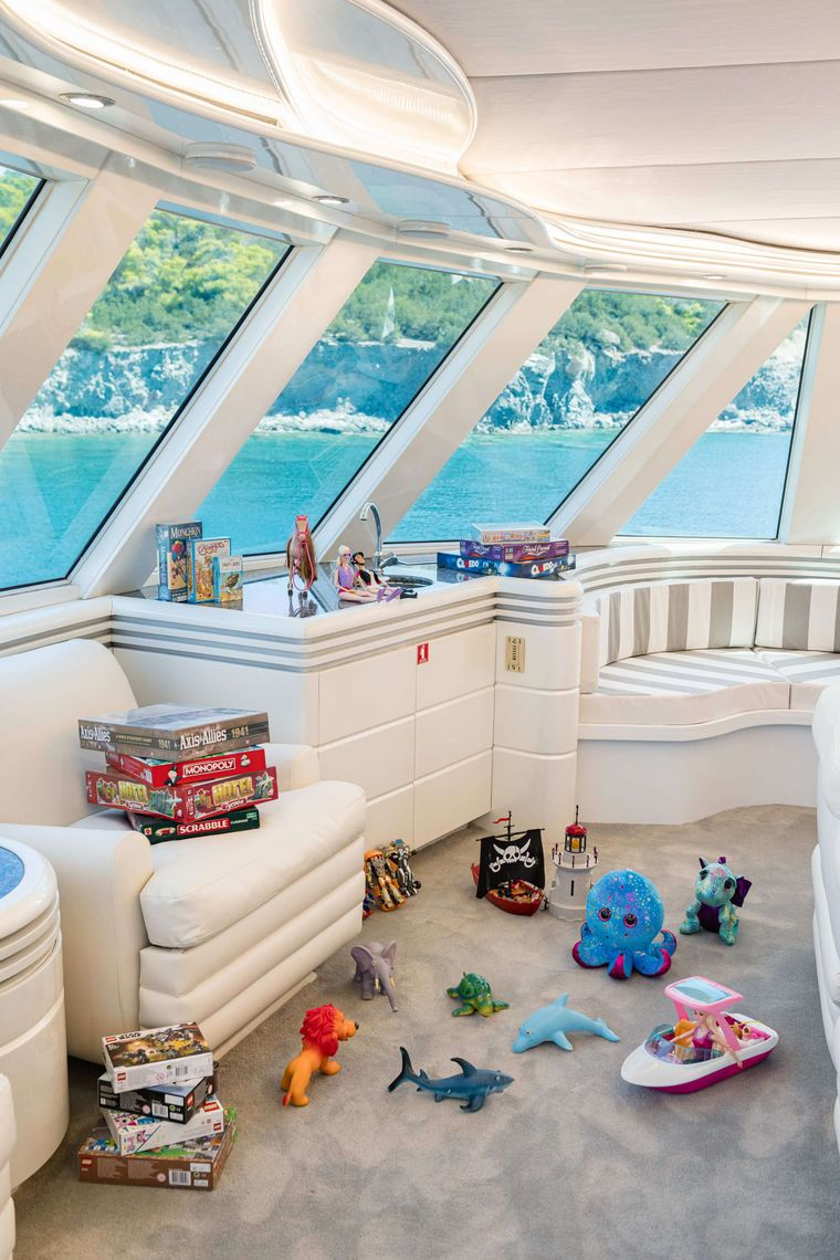 WIND OF FORTUNE Yacht Charter - Playroom
