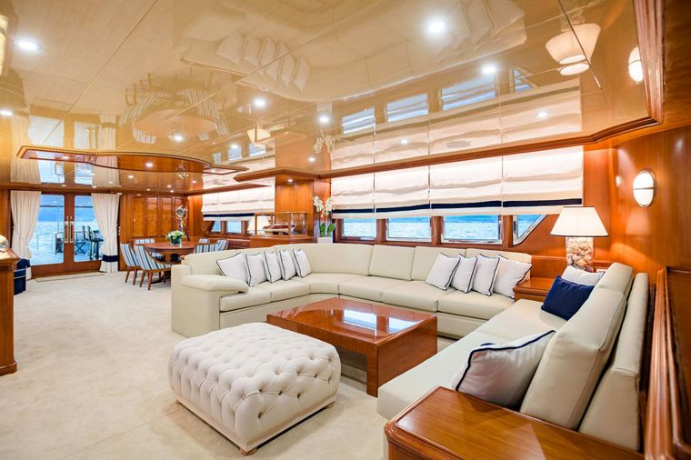 WIND OF FORTUNE Yacht Charter - Salon