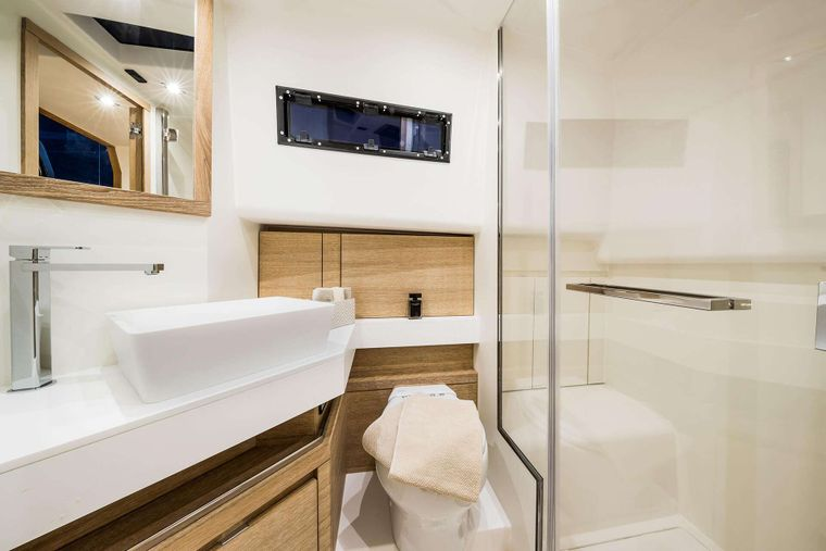 BABY D Yacht Charter - Facilities