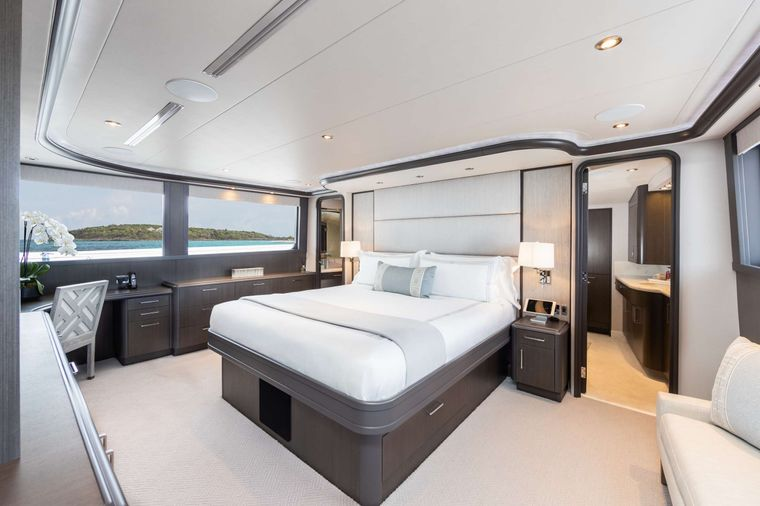 NO BAD IDEAS Yacht Charter - King Master Stateroom