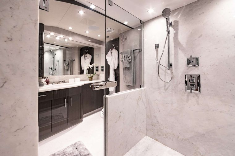 NO BAD IDEAS Yacht Charter - His and Hers Master En Suite