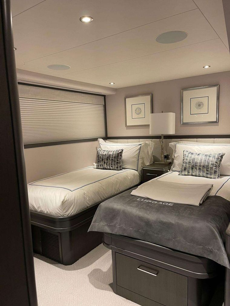 NO BAD IDEAS Yacht Charter - King Stateroom 2