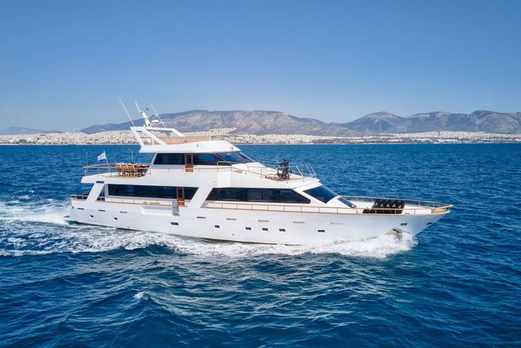 WIDE LIBERTY Yacht Charter - Ritzy Charters