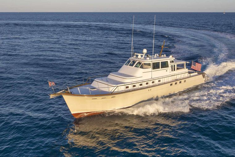 SEA BOUND Yacht Charter - Ritzy Charters