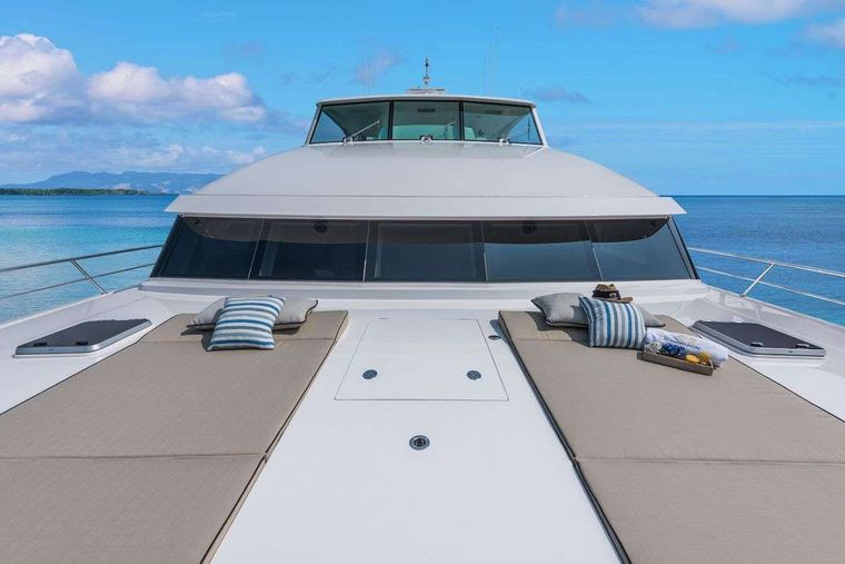SEAGLASS 74 Yacht Charter - Foredeck Loungers